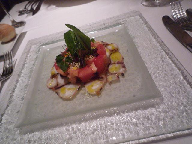 リストランテ・キオラ(蒸した真蛸のシェリー風味 トマトのパンツァネッラと共に 2000)