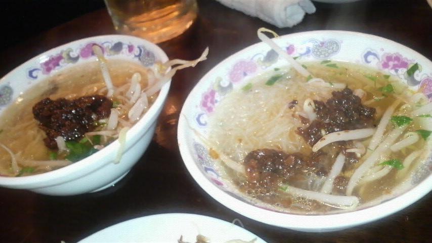 台南担仔麺台湾屋 (台湾名物ラーメン、台湾特産スープビーフン)