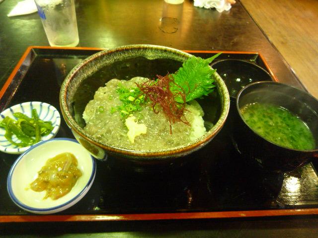 貝作(生しらす丼)