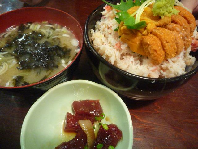 朝市食堂(かにうに丼・岩海苔味噌汁・づけ)