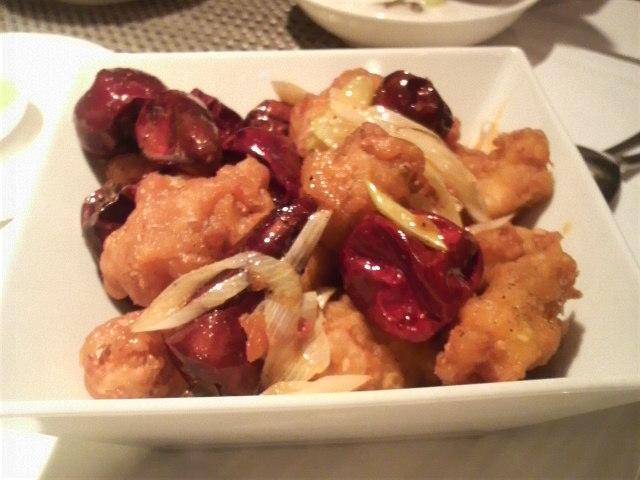 御膳房(鶏肉と唐辛子の香味炒め)