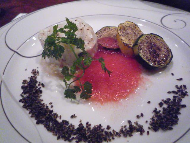 ステーキハウスHama(スズキの蒸し焼き 完熟トマトのソース)_シーズンメニュー