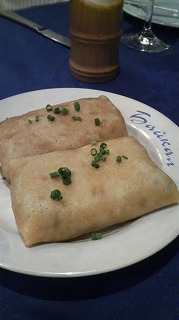 BAIKAL(牛ひき肉のパンケーキ包み)