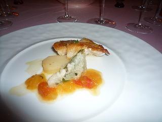 エノテカピンキオーリ(かさごの蒸し煮 ジャガイモのサフラン風味 バジルのフリット)D2