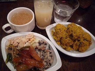 スペインバルTAPEO(南瓜サラダ・ミートボールの温菜・ツナマカロニ・グレフルJ・スープ)