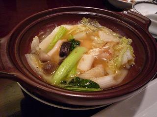 銀座アスター(白身魚と甲イカと春雨の土鍋煮、香味醤油添え)