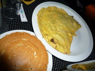 Eggsn Things(ほうれん草とマッシュルームのオムレツwパンケーキ)