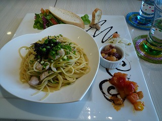 Cafe Table(鶏モモひじき岩海苔パスタ)