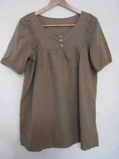 茶色の服①
