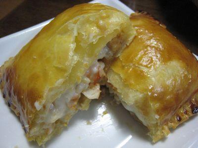 魚介のクリームソース パイ包み カット
