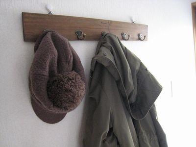 フック(帽子とコートをかけたところ)