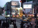 西門駅前です
