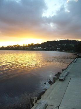 麦考瑞湖畔,夕阳