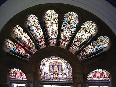 QVB侧门上的彩色玻璃