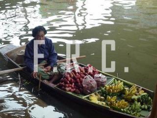 タイ バンコク ダムヌンサドゥアク 水上マーケット