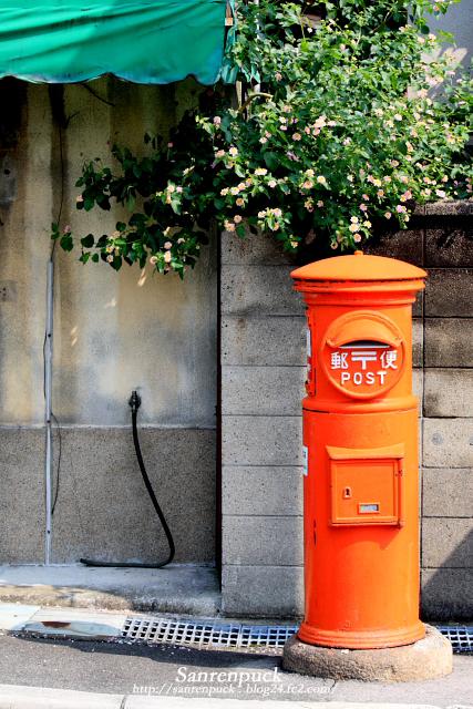 郵便ポストが赤いワケ