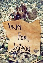 pray_for_japan_by_nniggz-d3bim2q.jpg