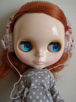 blythe friendly freckles face4