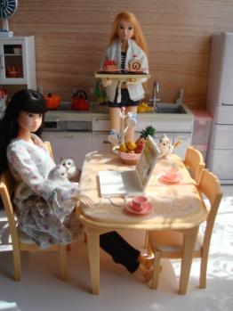 momoko waku up @ kitchen2