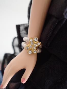 FMC barbie trace blonde accessory
