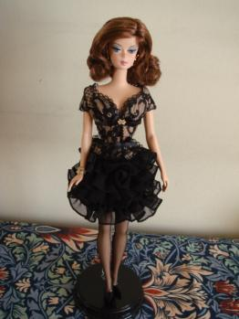 FMC barbie trace brunette stand