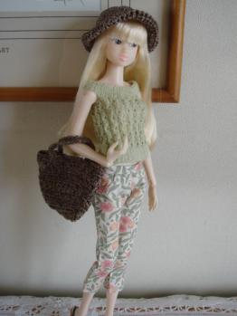 momoko yuki on abby hat brown