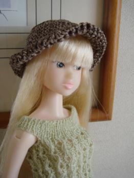 momoko yuki on abby hat brown3