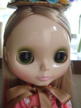blythe Strawberry Mille-Feuille face