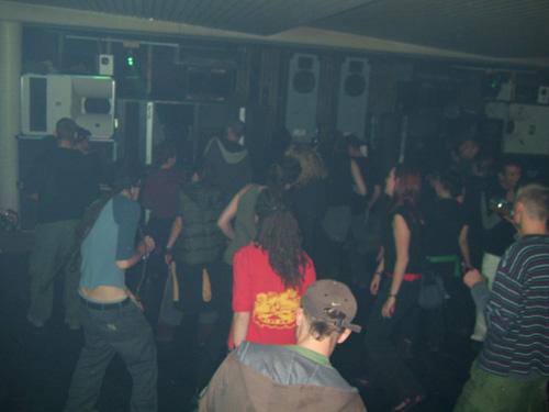 slide_03_dance_floor.jpg