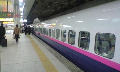 仙台駅の「はやて」