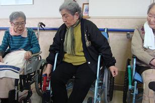 東京都 足立区 老人保健施設(入所・短期入所・通所リハビリ) 千寿の郷 3階レク 握力