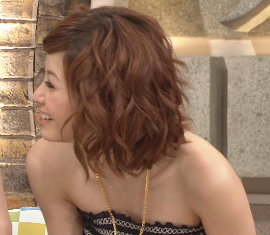 松浦亜弥 胸チラキャプ・エロ画像3