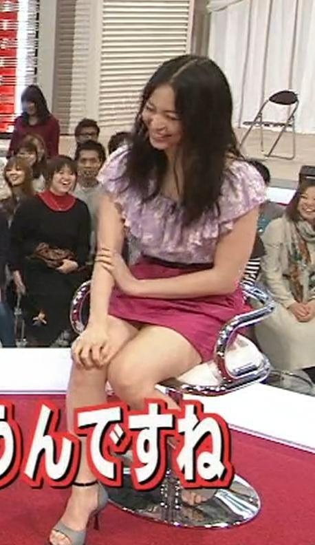 岩佐真悠子 ミニスカートキャプ・エロ画像2