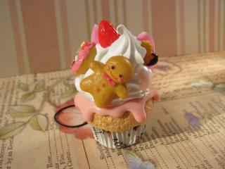 クッキーボウヤカップケーキ正面