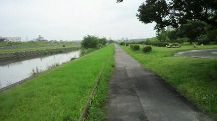 4kmほどのサイクリングロード