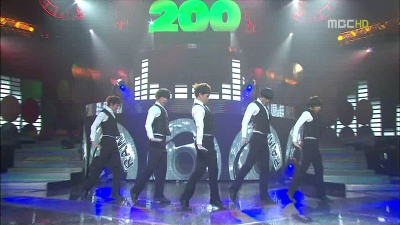 2PM, SHINee - 20100220 - Special on MC.avi_000027594