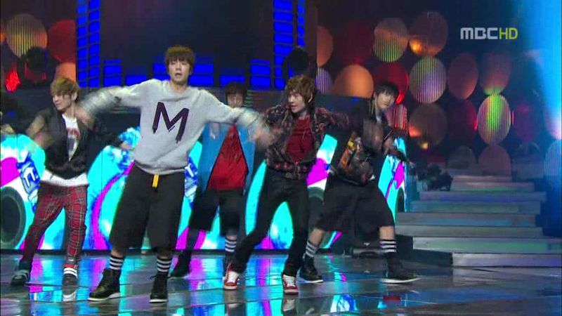 2PM, SHINee - 20100220 - Special on MC.avi_000284784