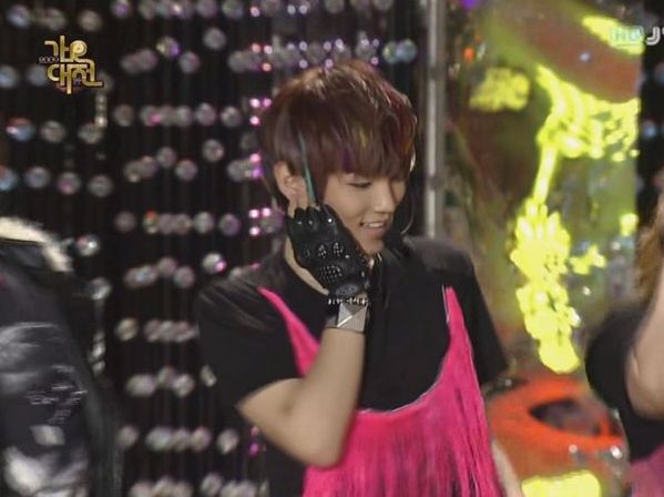 SHINee  SJ -20091229 -Gee on S Gayo