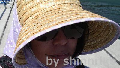 shinnrikoの夏のスタイル。農婦スタイルではあるが、紫外線対策上しかたがない。一度かぶれば気にならない。