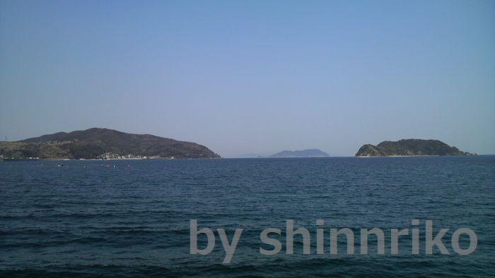 遠く肉眼でも見えました。四国愛媛佐多半島の風車群