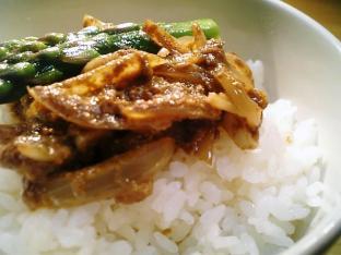 インド風タンドリティカソース丼003