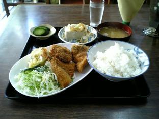 山田ホームレストラン本日の定食Bアジフライ003