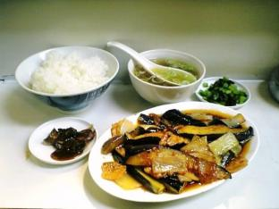 三陽ピリ辛のピリ辛ナス炒め003