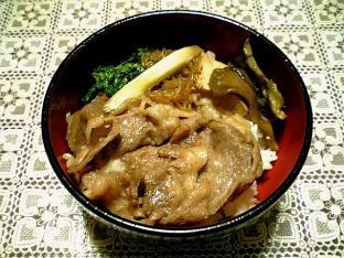 モリタ屋のお肉ですき焼き丼001