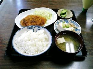 山田ホームレストラン本日の定食Bビーフコロッケ奴付003