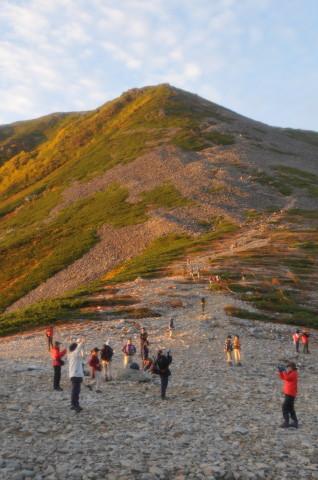山が色づく