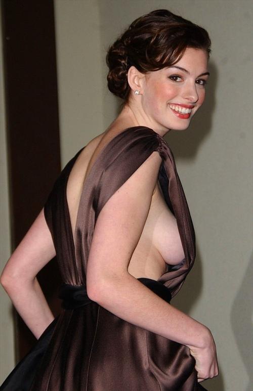 Anne Hathaway (0)