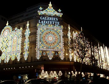 Galeries LafayetteクリスマスイルミネーションREVdownsize