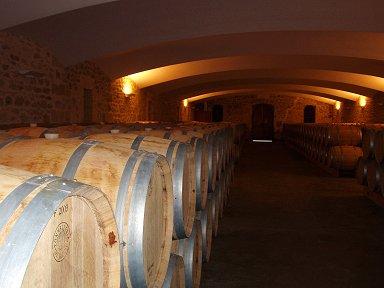 真新しい白木のワイン樽downsize