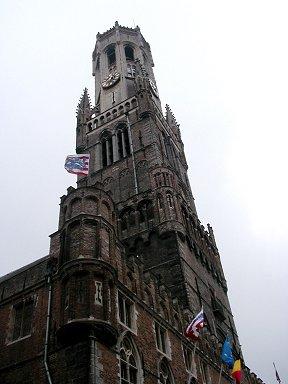 歴史を感じるSint-Salvator Cathedral downsize